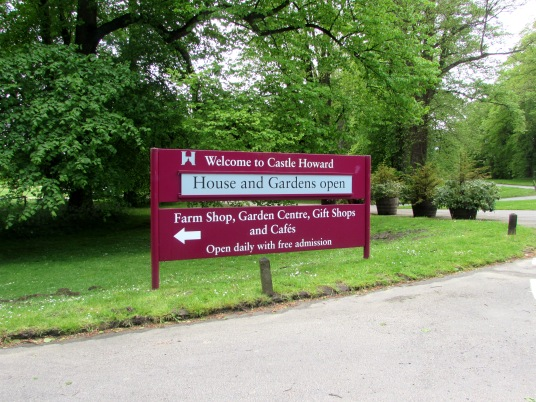 Castle Howard main entrance sign - panel and post aluminium system with vinyl graphics
